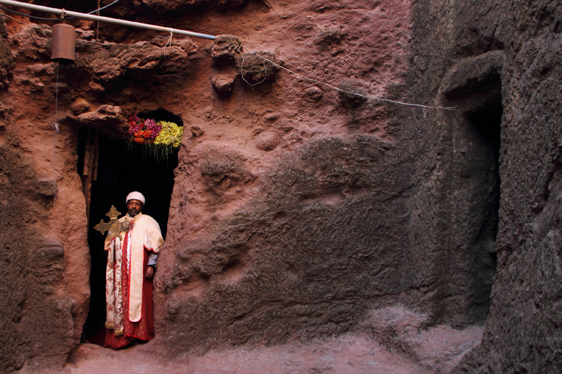Orthodoxer Priester in Bet Mikael, Lalibela